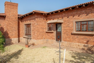 3 Bedroom Retirement Village  For Sale in Dan Pienaar | 1316840 | Property.CoZa