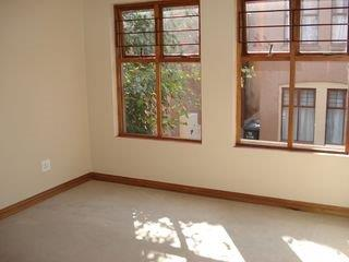 2 Bedroom   For Sale in Bryanston   1316797    Photo Number 10