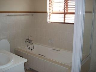 2 Bedroom   For Sale in Bryanston   1316797    Photo Number 20