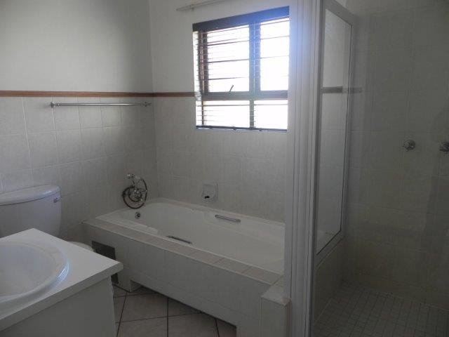 2 Bedroom   For Sale in Bryanston   1316797    Photo Number 22