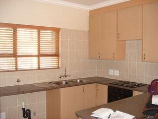 2 Bedroom   For Sale in Bryanston   1316797    Photo Number 16