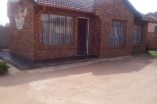 2 Bedroom House  For Sale in Etwatwa | 1317084 | Property.CoZa