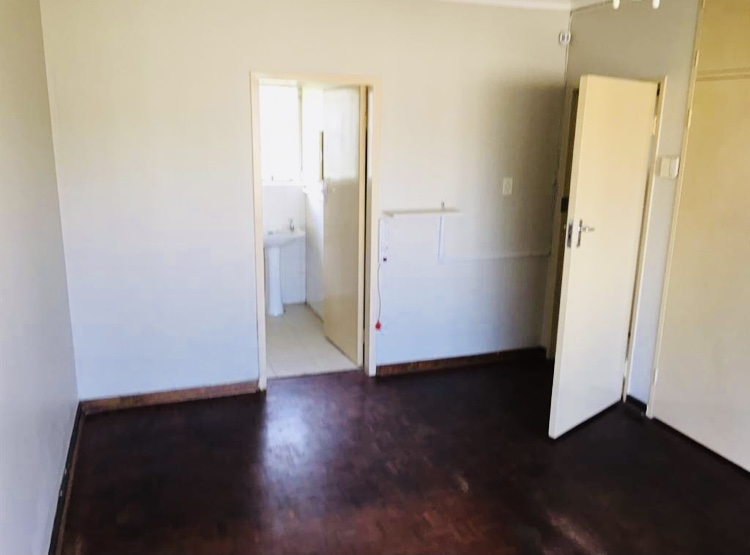 4 Bedroom   To Rent in Glen Marais | 1317455 |  Photo Number 5