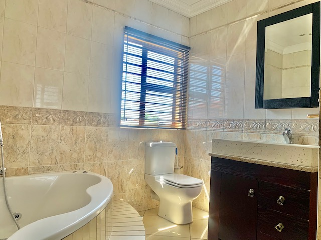 7 Bedroom   For Sale in Lenasia Ext 1 | 1317828 |  Photo Number 25
