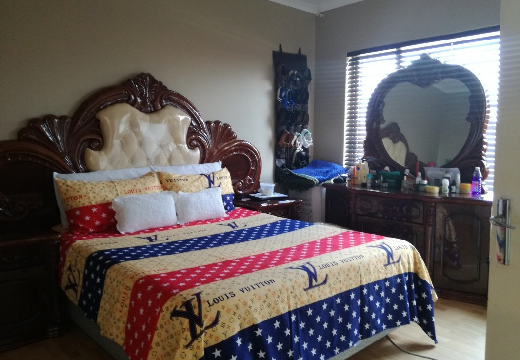 2 Bedroom   For Sale in Mondeor Ext 5   1318341    Photo Number 11