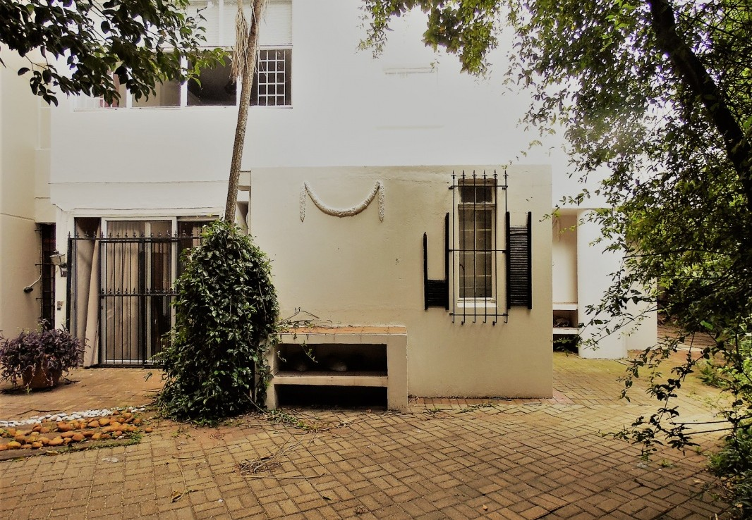 2 Bedroom   For Sale in Illovo | 1318698 |  Photo Number 1