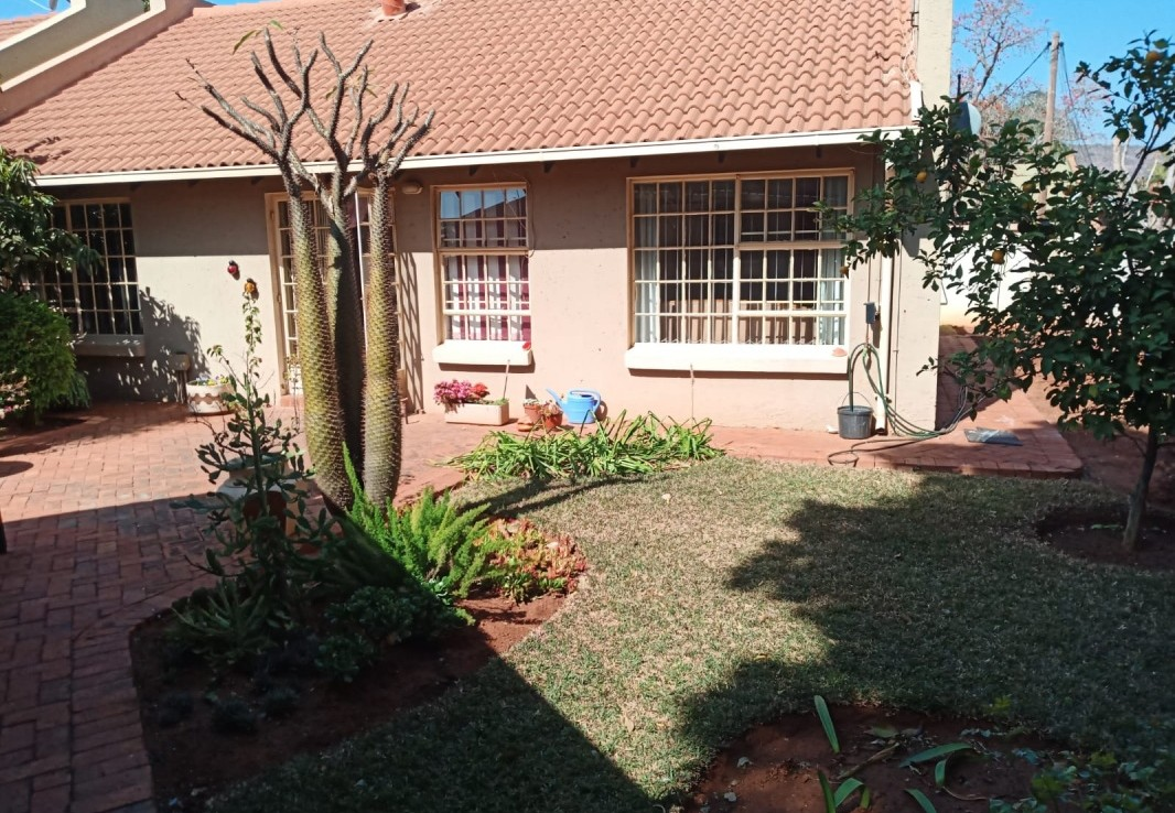 3 Bedroom   For Sale in Annlin   1318718    Photo Number 2