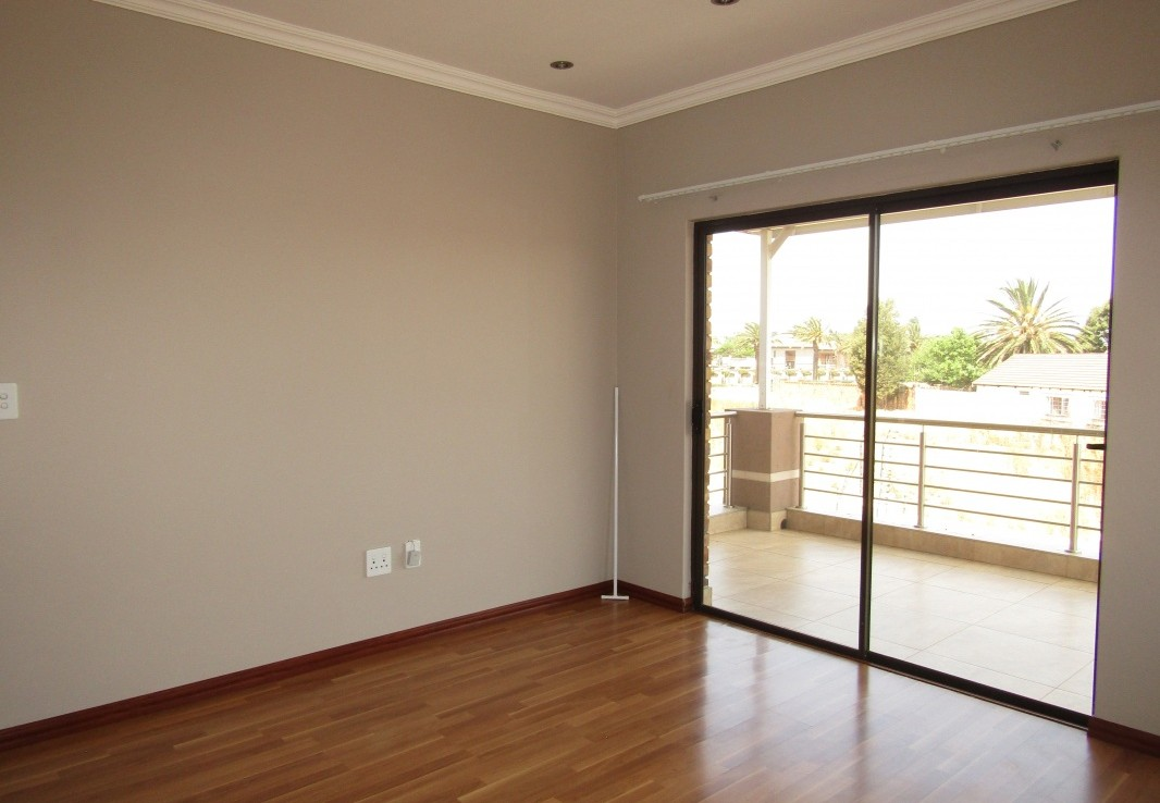 4 Bedroom   For Sale in Beyers Park | 1318779 |  Photo Number 25