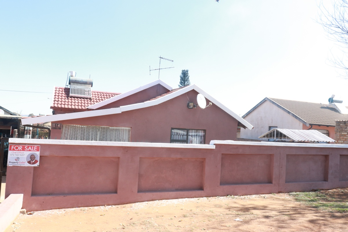 3 Bedroom House  For Sale in Ennerdale Ext 9   1319147   Property.CoZa