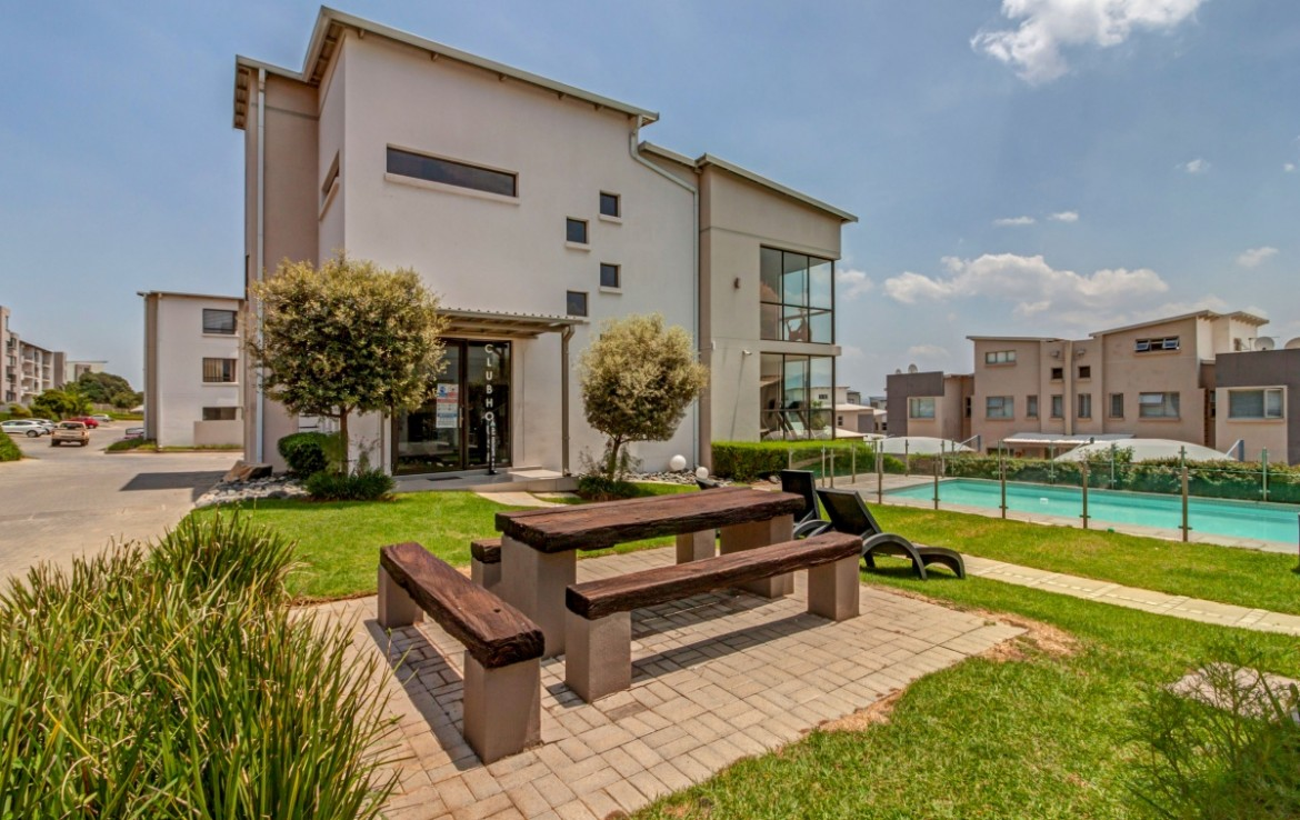 2 Bedroom   For Sale in Fourways | 1319255 |  Photo Number 16