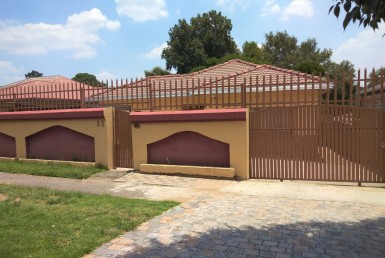 3 Bedroom House  For Sale in Rosettenville | 1319271 | Property.CoZa