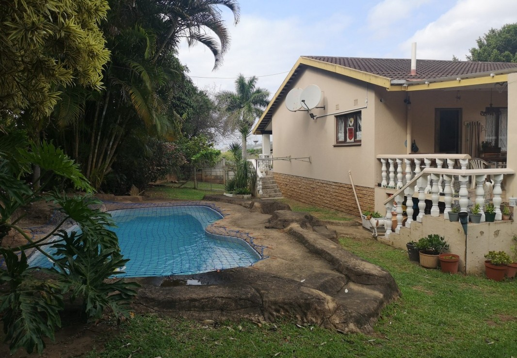 5 Bedroom   For Sale in Manaba Beach | 1319386 |  Photo Number 3