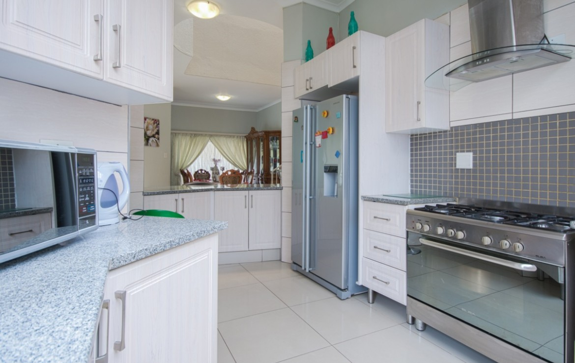 3 Bedroom   For Sale in Bassonia Ext 1 | 1319710 |  Photo Number 12