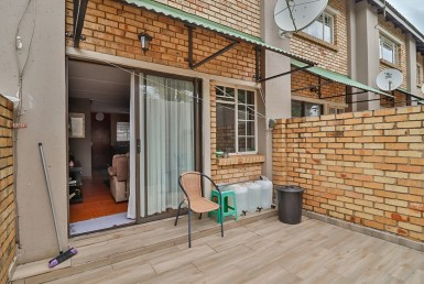 2 Bedroom Townhouse  For Sale in Primrose Hill | 1319850 | Property.CoZa