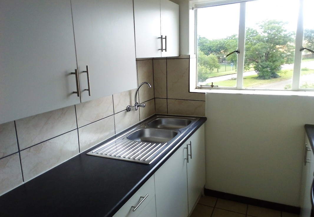 2 Bedroom   To Rent in Hurlyvale | 1319881 |  Photo Number 5