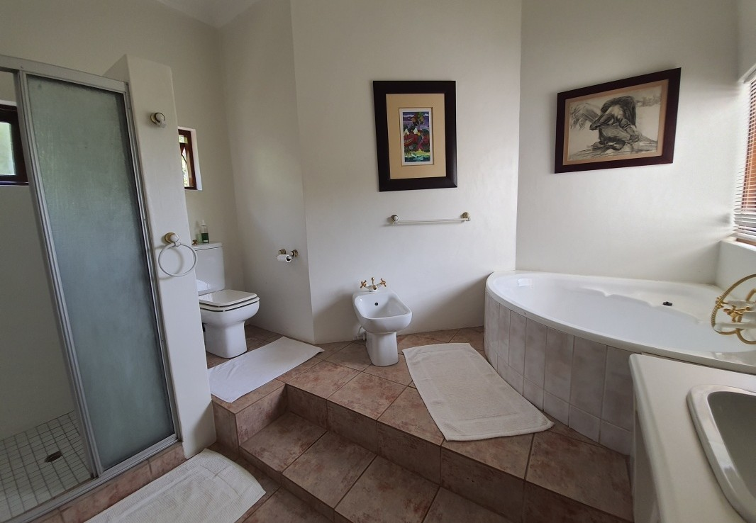 8 Bedroom   For Sale in Wapadrand   1319978    Photo Number 5