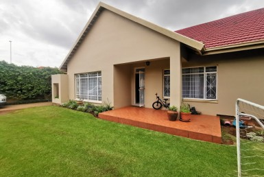 4 Bedroom House  For Sale in Dawnview | 1320062 | Property.CoZa