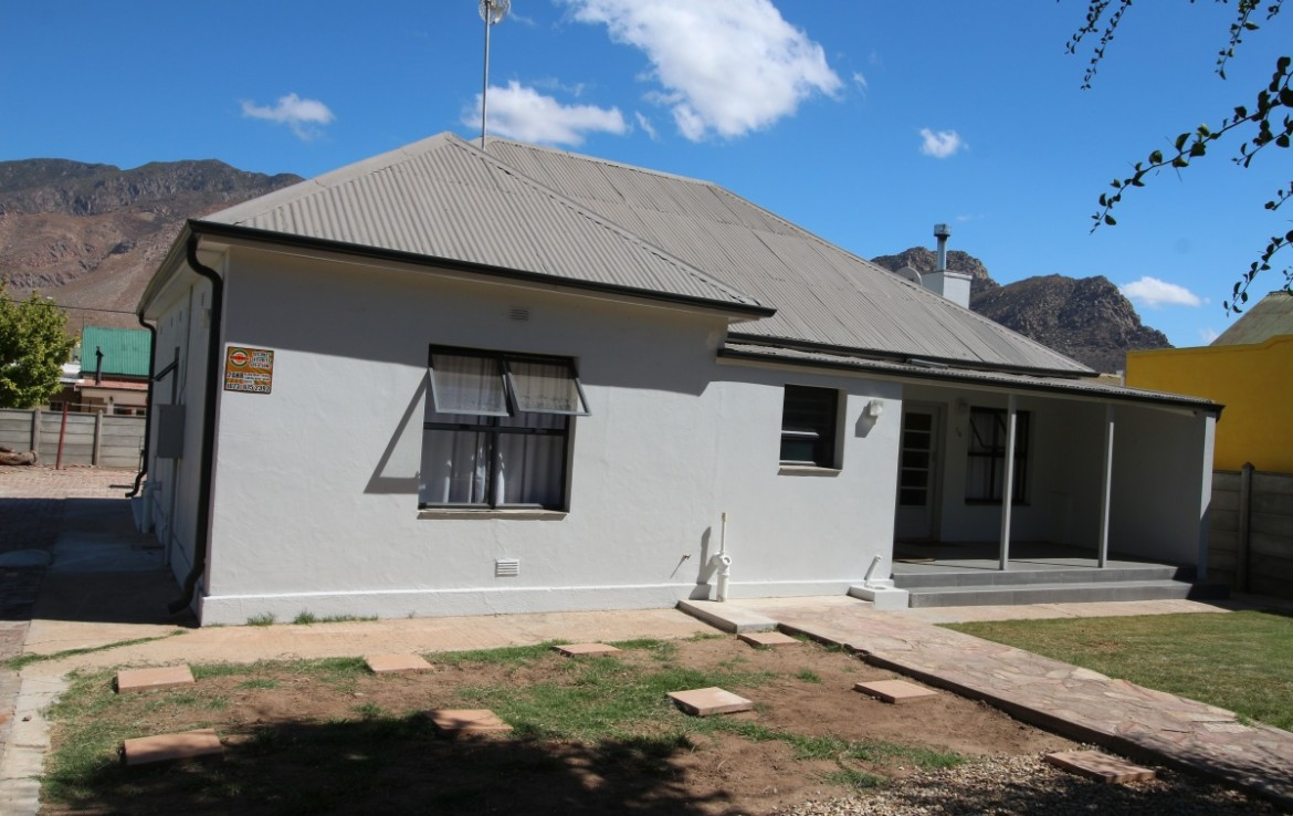 3 Bedroom   For Sale in Montagu | 1320072 |  Photo Number 2