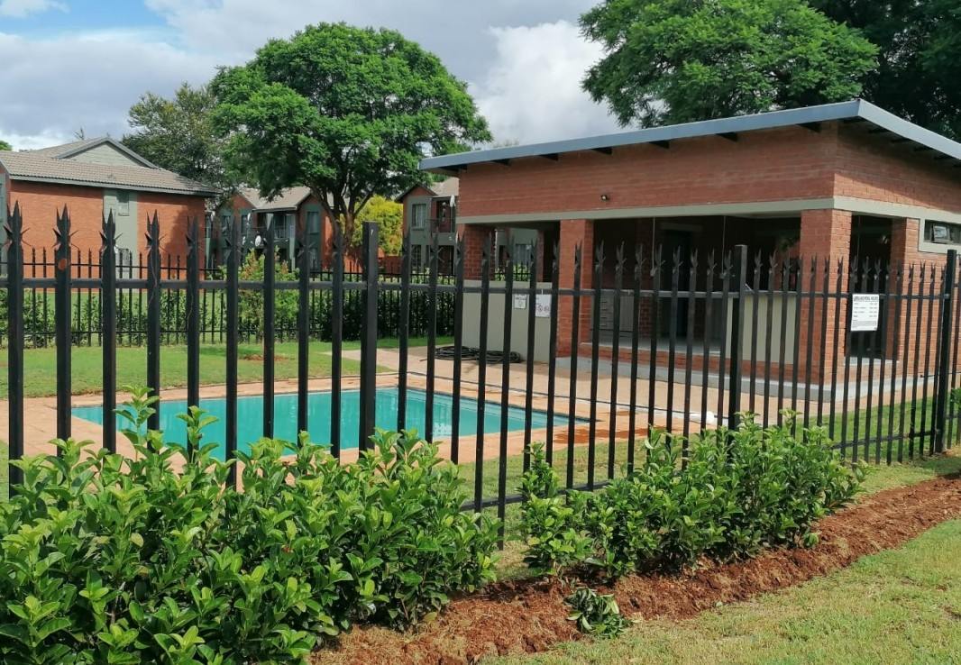 2 Bedroom   For Sale in Theresapark Ext | 1320098 |  Photo Number 11