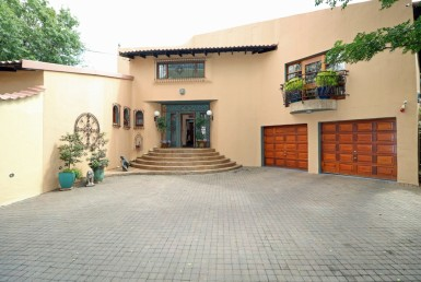 5 Bedroom House  For Sale in Constantia Kloof | 1320394 | Property.CoZa