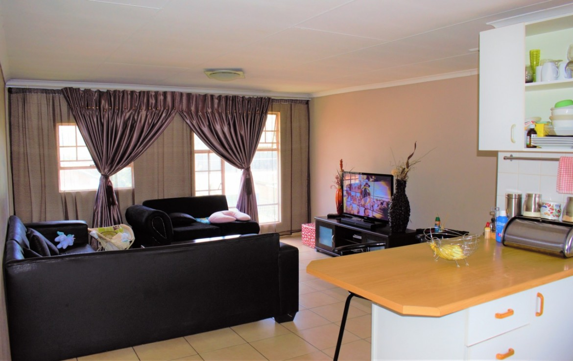 2 Bedroom   For Sale in Kempton Park CBD | 1320447 |  Photo Number 7