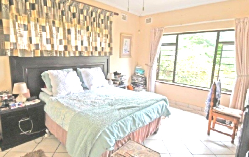 4 Bedroom   For Sale in Chiltern Hills   1320579    Photo Number 14