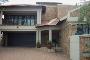 4 Bedroom House  For Sale in Aerorand | 1321005 | Property.CoZa