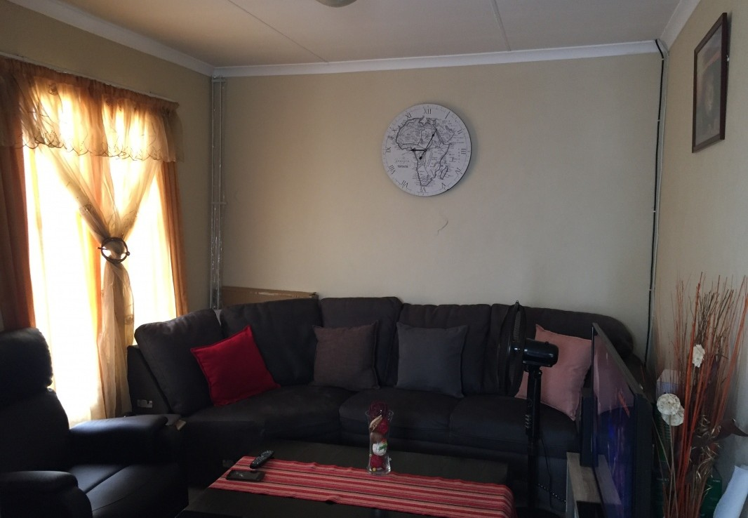 3 Bedroom   For Sale in Riverside View   1321018    Photo Number 2