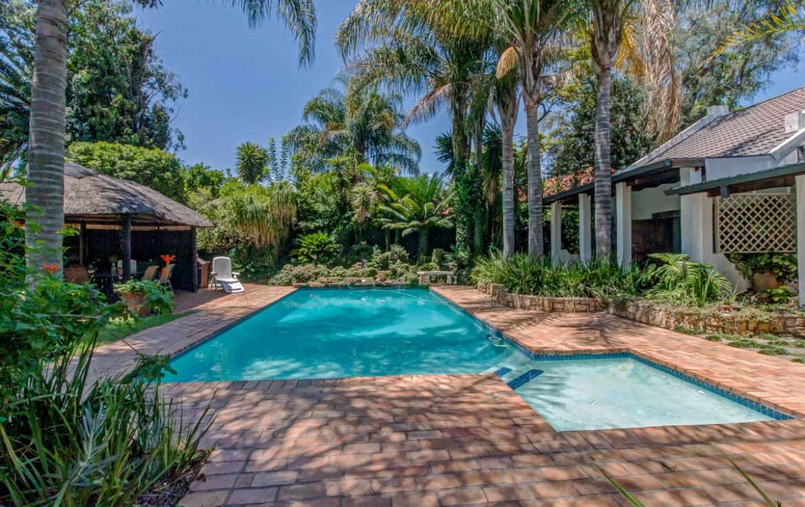 8 Bedroom   For Sale in Fourways | 1321078 |  Photo Number 6