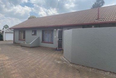 3 Bedroom House  For Sale in Mayberry Park   1321433   Property.CoZa