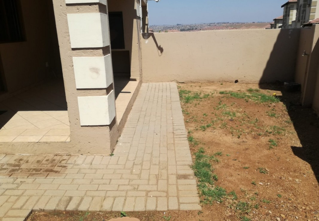 2 Bedroom   To Rent in Kosmosdal Ext 31 | 1321761 |  Photo Number 5