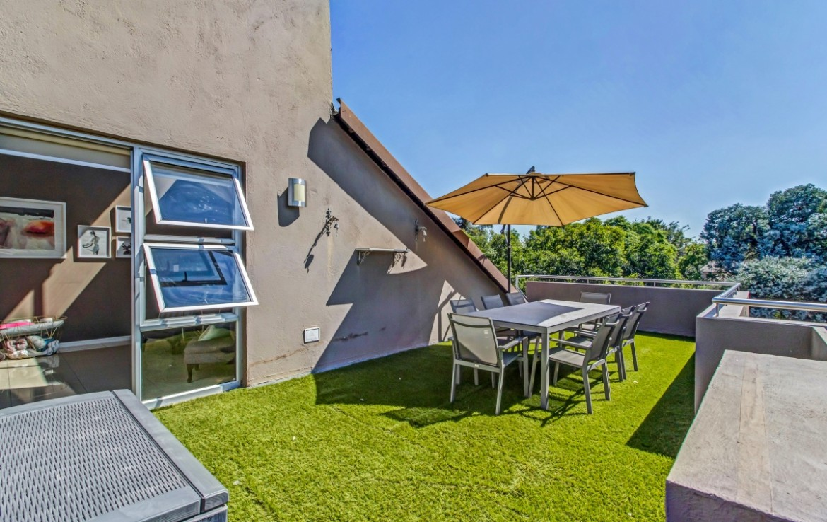 2 Bedroom   For Sale in Bryanston | 1321826 |  Photo Number 1