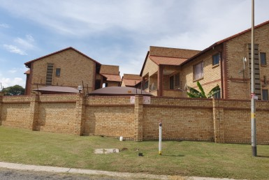 3 Bedroom Townhouse  For Sale in Elandshaven | 1322154 | Property.CoZa