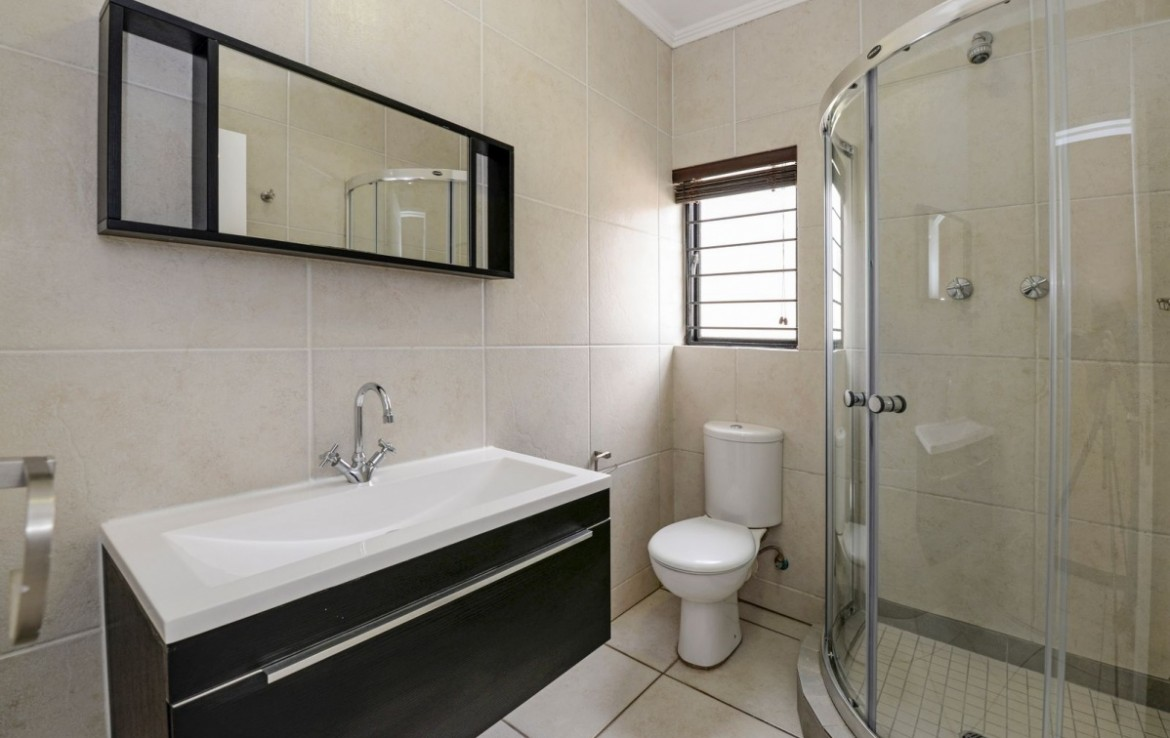 2 Bedroom   For Sale in Greenstone Hill   1322358    Photo Number 7
