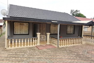 3 Bedroom House  For Sale in Tongaat Central | 1322440 | Property.CoZa