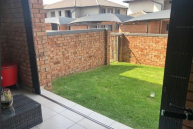 3 Bedroom Apartment / Flat  For Sale in Noordwyk | 1322474 | Property.CoZa