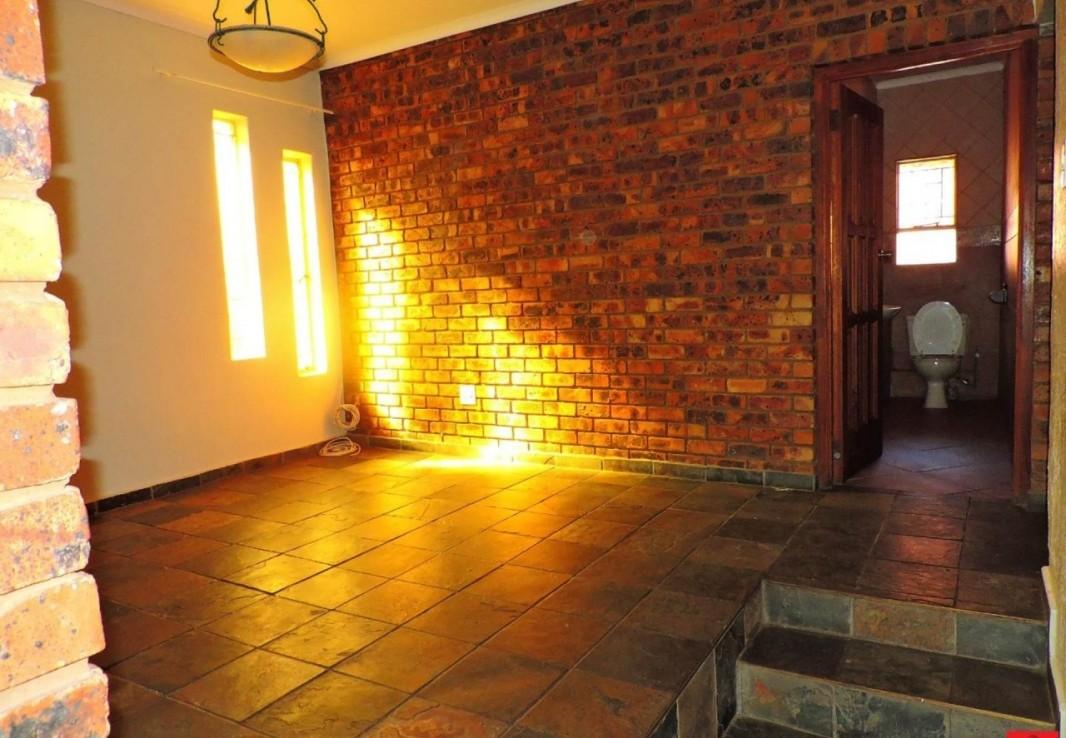 4 Bedroom   For Sale in Reyno Ridge & Ext | 1263350 |  Photo Number 21