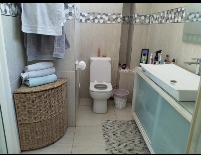 2 Bedroom   For Sale in Northcliff   1323093    Photo Number 4