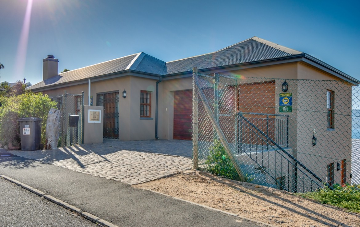 3 Bedroom   For Sale in Simons Town | 1323210 |  Photo Number 30