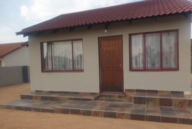 2 Bedroom House  For Sale in Soshanguve Block Gg | 1323411 | Property.CoZa