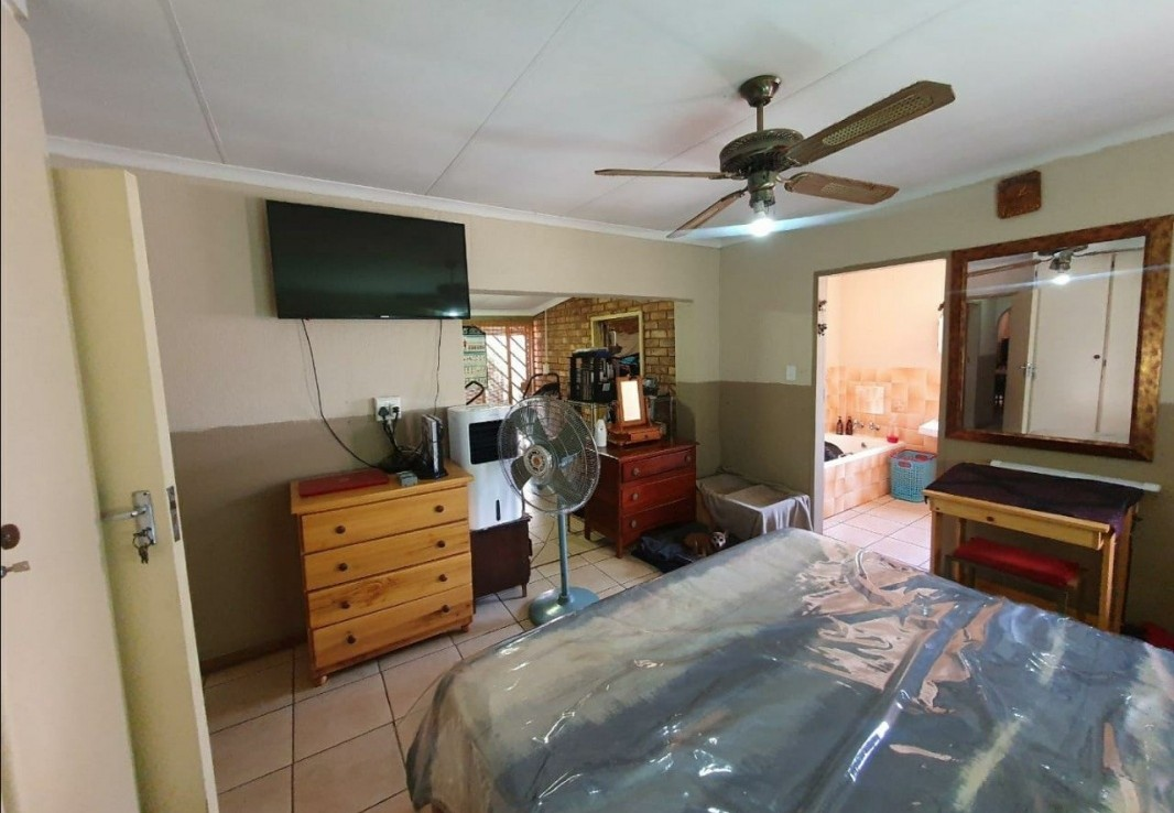 5 Bedroom   For Sale in Suiderberg | 1323519 |  Photo Number 18