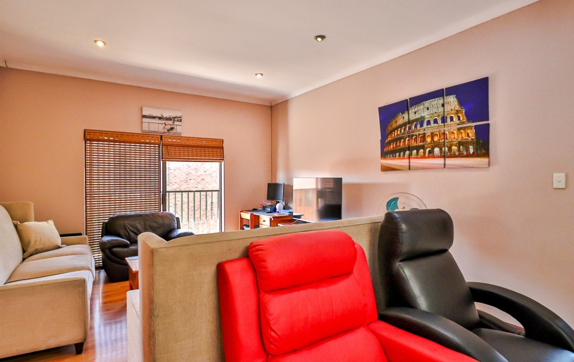 3 Bedroom   For Sale in Eastleigh   1324764    Photo Number 8
