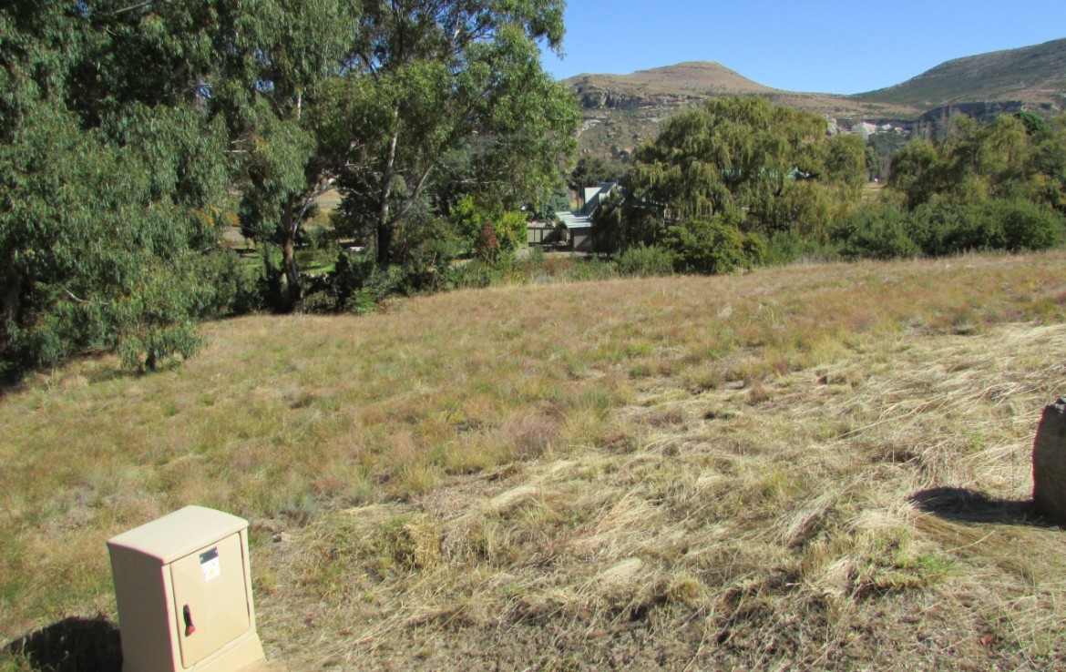 For Sale in Clarens Golf & Trout Estate | 1325164 |  Photo Number 2