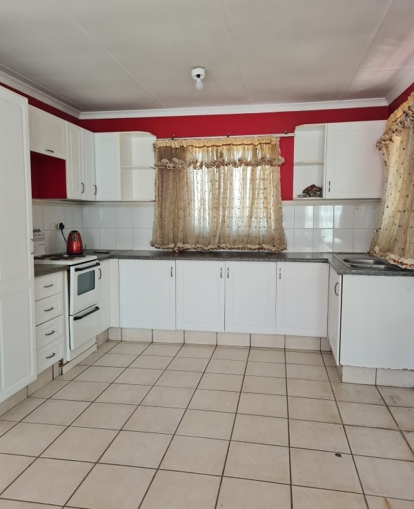 3 Bedroom   For Sale in Esterpark Ext 1   1328185    Photo Number 18