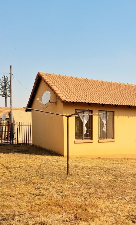 3 Bedroom   For Sale in Esterpark Ext 1   1328185    Photo Number 2