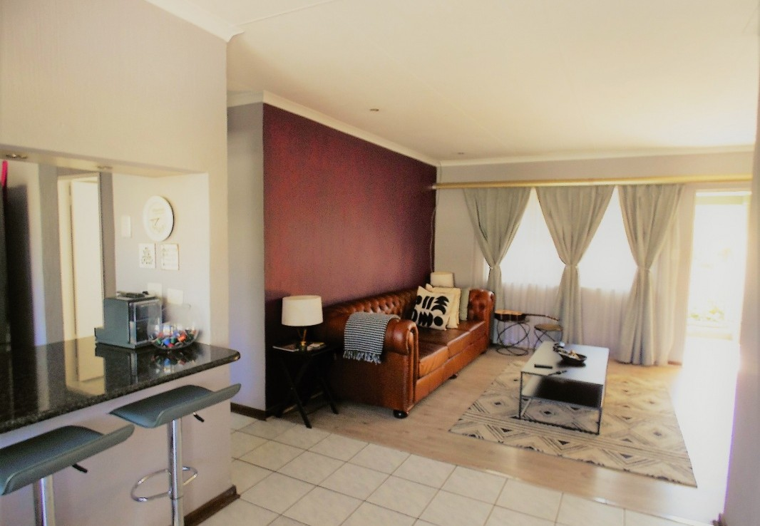2 Bedroom   For Sale in North Riding   1328274    Photo Number 15
